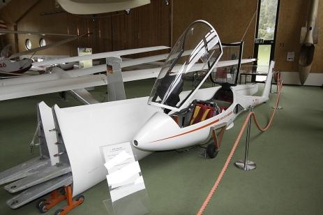 Die Rolladen-Schneider LSD Ornith, der erste Kunststoff-Doppelsitzer.