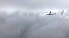 Formationsflug das Lenninger Tal hinunter.