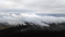K2 in den Wolkenlücken.