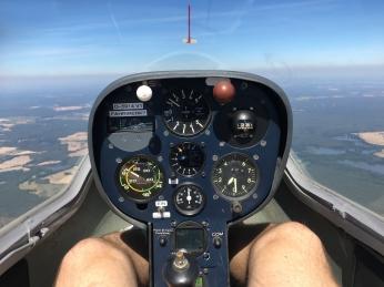 Cockpit Astir.
