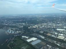 Faszinierend, so nahe an einer Großstadt zu fliegen.