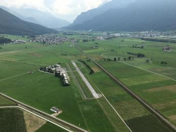 Hübscher Flugplatz in toller Lage.